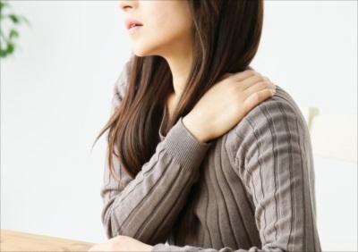 間違ったセルフマッサージは肩こりを悪化させる?