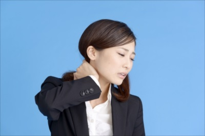 豊中市で頭痛に対応する【レジスタ整骨院】は首の歪みを矯正