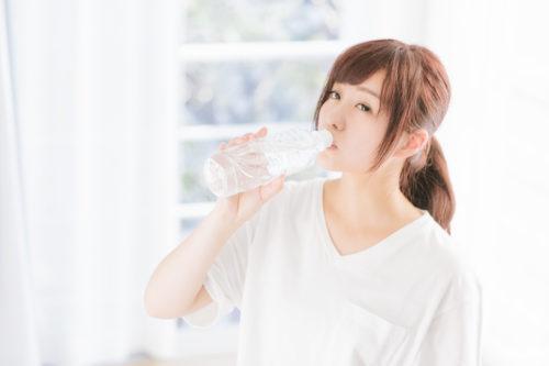 冷たい物を食べたり飲んだりすると腰痛になる!?
